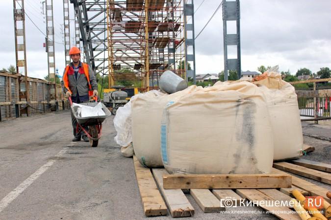 Подрядчик ремонта Никольского моста в Кинешме отстает от графика фото 5