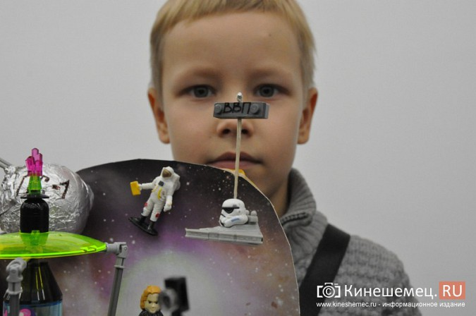 На лего-фестивале в Кинешме Владимира Путина запустили в космос фото 14