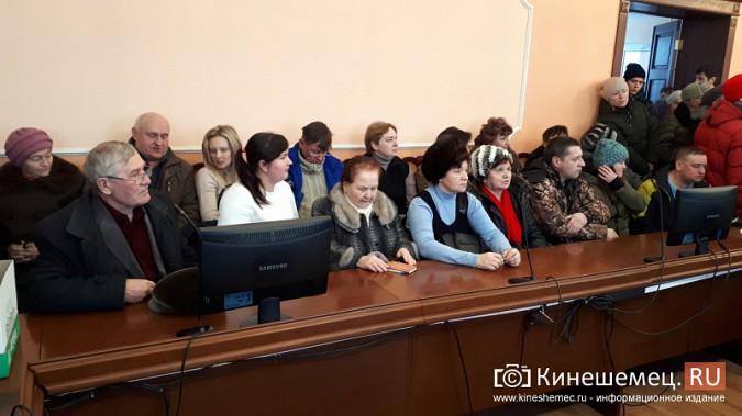 Жители Заволжска плачут и молят власть услышать их протест против могильника химотходов фото 7