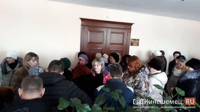 Жители Заволжска плачут и молят власть услышать их протест против могильника химотходов фото 2