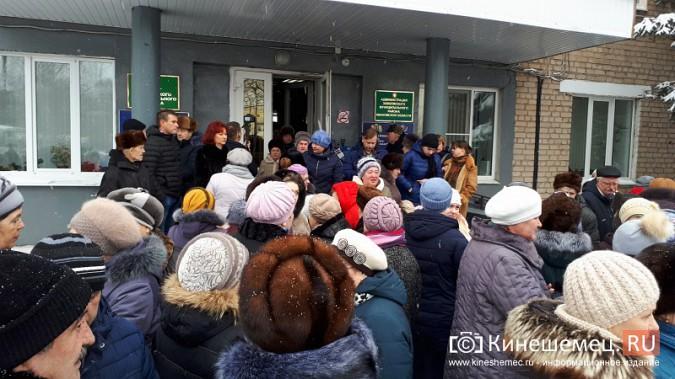 Жители Заволжска плачут и молят власть услышать их протест против могильника химотходов фото 12