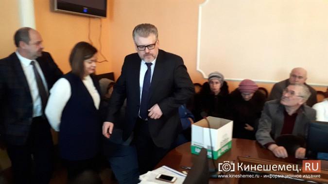 Жители Заволжска плачут и молят власть услышать их протест против могильника химотходов фото 8