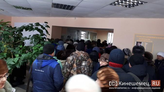 Жители Заволжска плачут и молят власть услышать их протест против могильника химотходов фото 10