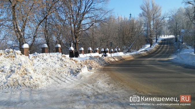 Снегоход разъезжал по тротуарам Кинешмы фото 2