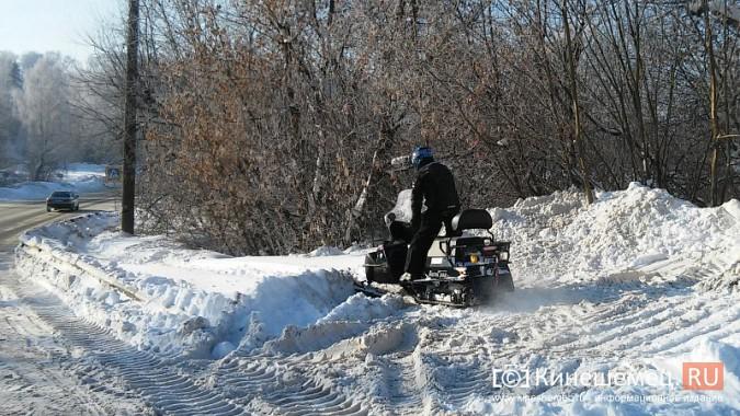 Снегоход разъезжал по тротуарам Кинешмы фото 5