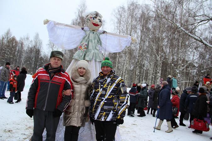 В фабричных районах Кинешмы возродили традицию праздновать Масленицу фото 16