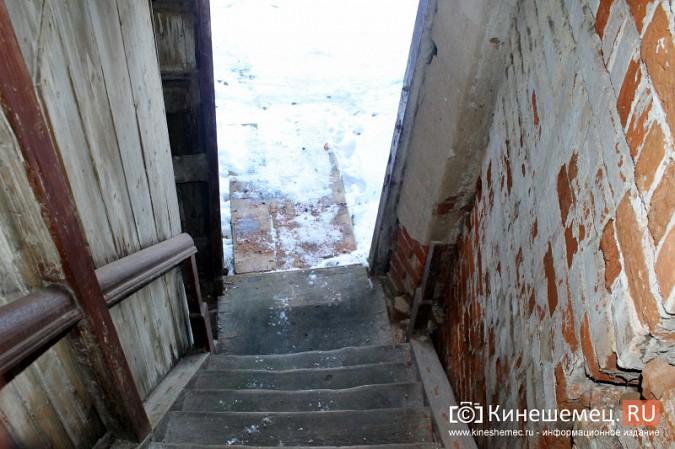 На улице Карла Маркса в центре Кинешмы на глазах разрушается жилой дом фото 15