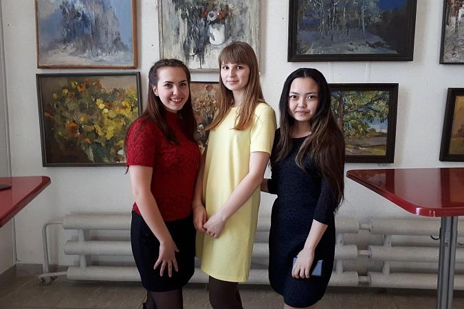 Кинешемская молодежь провела акцию «Я в театре» фото 3