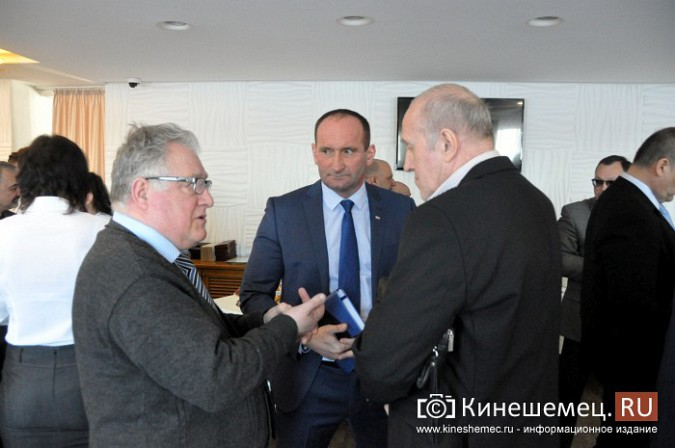 На встречу с кинешемским бизнесом приехали сразу два члена правительства региона фото 5