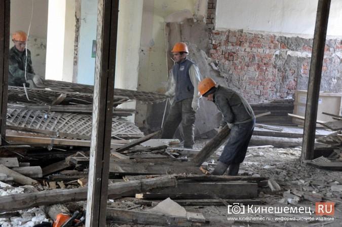 Станислав Воскресенский попросил начать ремонт поликлиники имени Захаровой с туалетов фото 6