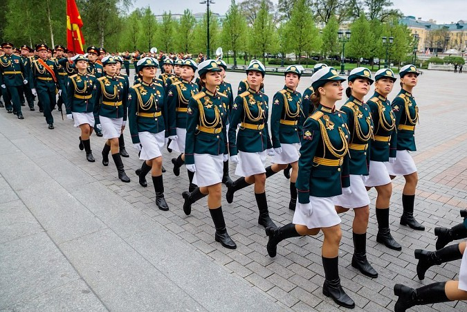 Кинешемка Анна Куюзова промаршировала по Красной площади фото 4