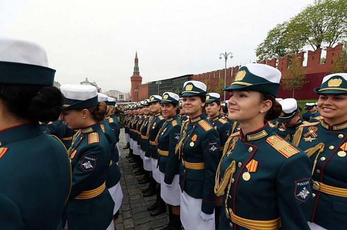 Кинешемка Анна Куюзова промаршировала по Красной площади фото 3