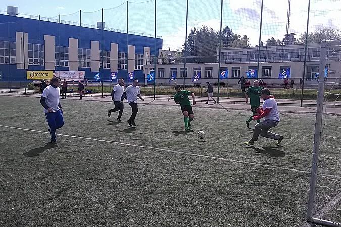 Кинешемские медики сыграли в футбол фото 7