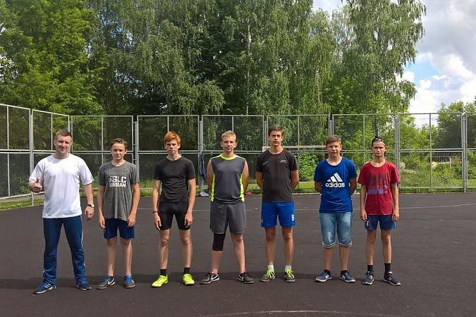 Дворовые футбольные команды начали борьбу за Кубок Александра Пахолкова фото 12