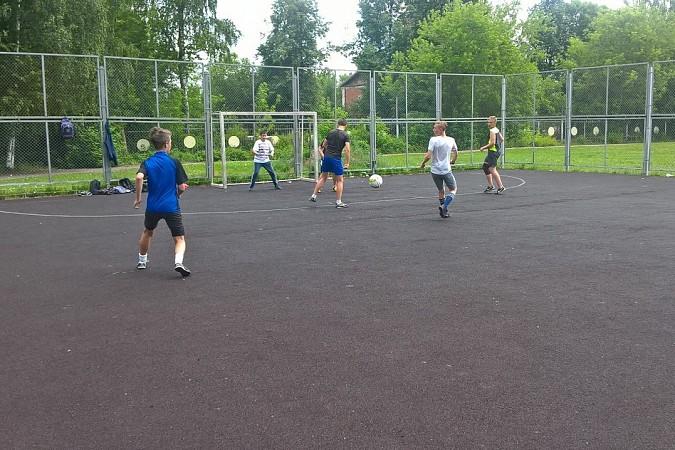 Дворовые футбольные команды начали борьбу за Кубок Александра Пахолкова фото 13