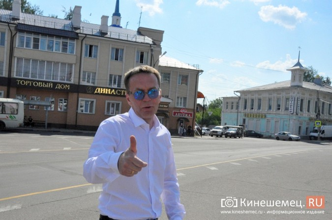Центральная площадь Кинешмы становится местом свадебных гуляний фото 6