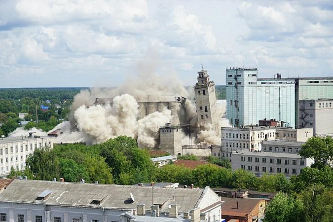 В Иванове взорвали элеватор бывшего мукомольного комбината фото 3
