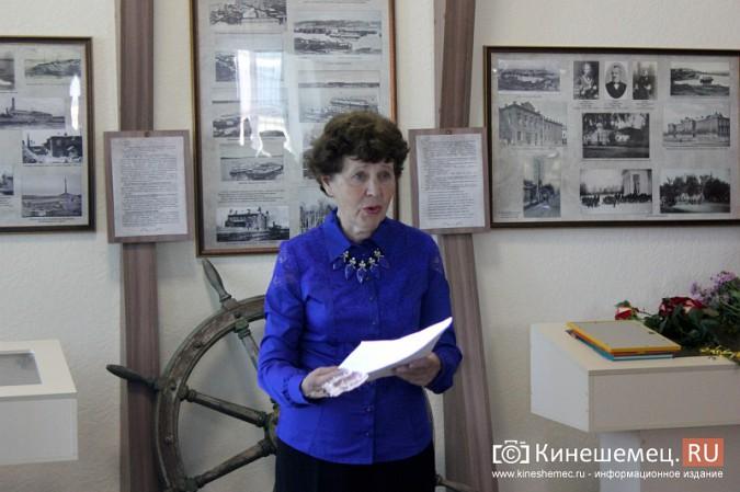В Кинешме открылась выставка Натальи и Ксении Ледовых фото 7