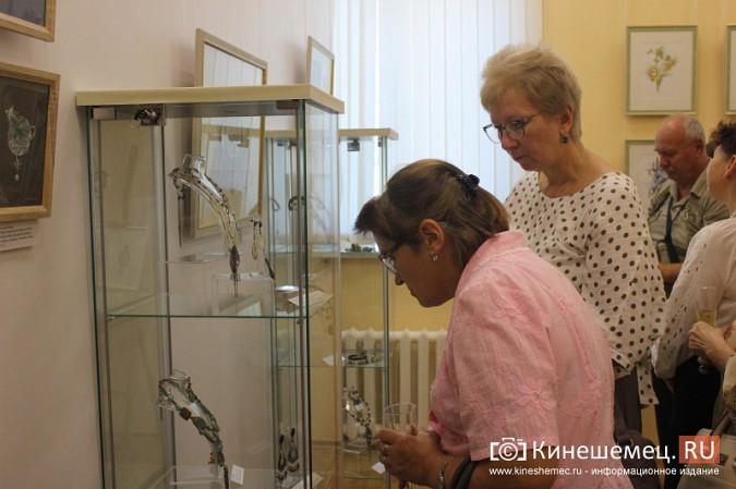 В Кинешме открылась выставка Натальи и Ксении Ледовых фото 10