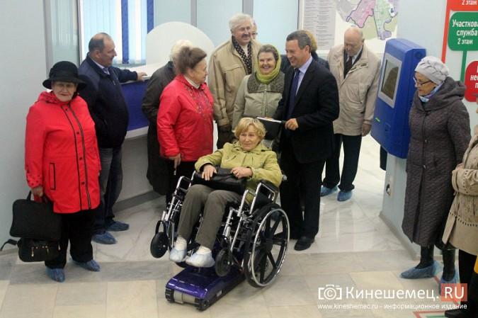 Кинешемских ветеранов ознакомили с работой отремонтированной поликлиники им. Захаровой фото 13