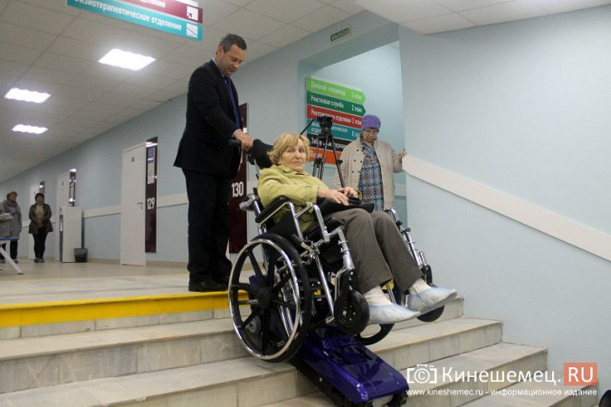 Кинешемских ветеранов ознакомили с работой отремонтированной поликлиники им. Захаровой фото 14