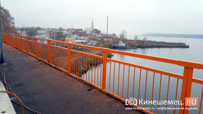 Кинешемский Никольский мост заиграл оранжевыми красками фото 2