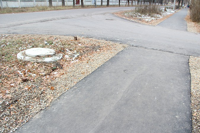 В Кинешме заасфальтировали тротуар к школе №10 фото 3