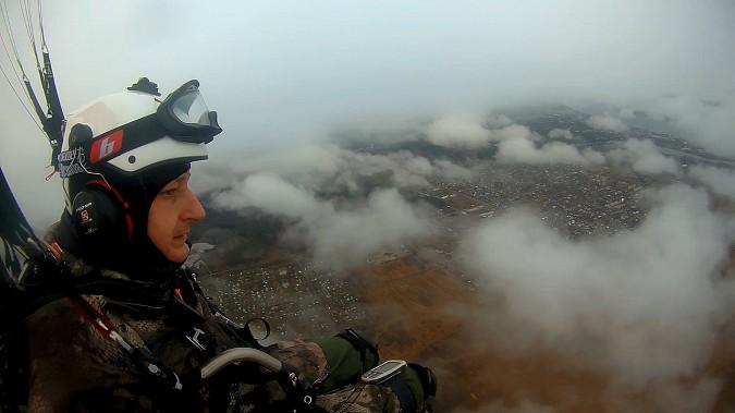 Кинешемский парапланерист взмыл над облаками и поделился впечатлениями фото 5