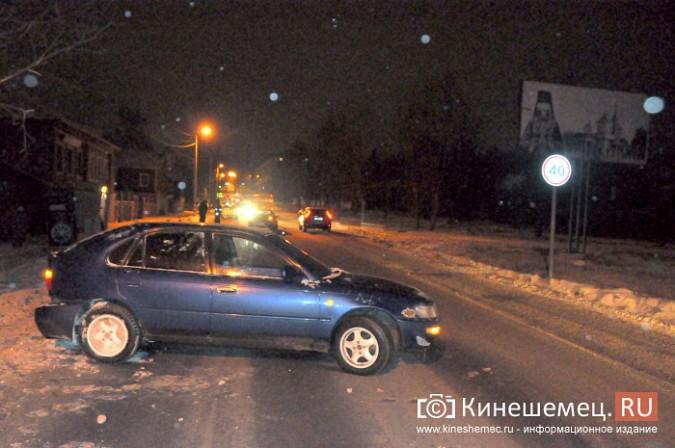На улице им.М.Горького лоб в лоб столкнулись две иномарки фото 3
