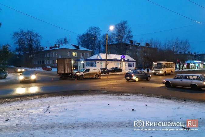 На перекрестке 50-летия Комсомола и Сеченова очередная авария фото 2