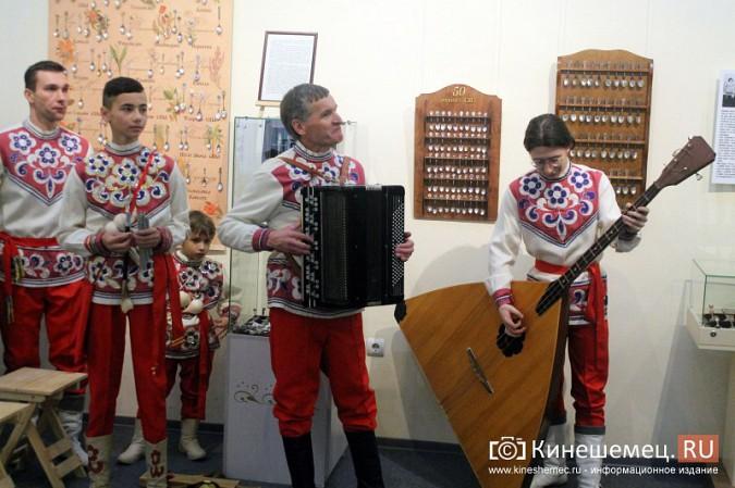 Кинешемцам показали необыкновенную коллекцию ложек фото 55