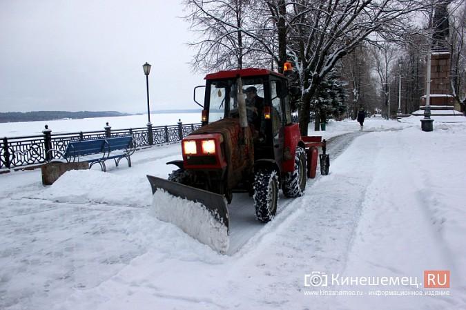 Ночной снегопад не стал тяжелым испытанием для коммунальщиков фото 14