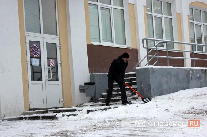 Ночной снегопад не стал тяжелым испытанием для коммунальщиков фото 8