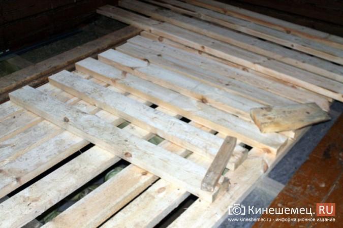 В Кинешемском районе разваливается дом, где живет ребенок-инвалид с мамой фото 7