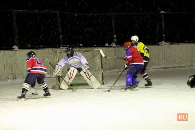 В хоккейном дерби Кинешмы забросили 25 шайб фото 15