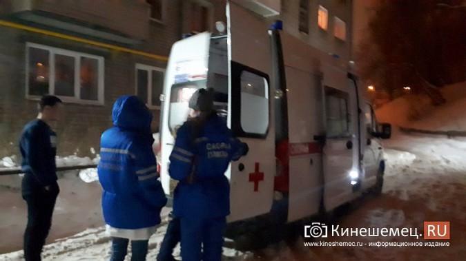 В Кинешме из-за поломки на новой «скорой» больного уложили под лестницу в подъезде фото 4