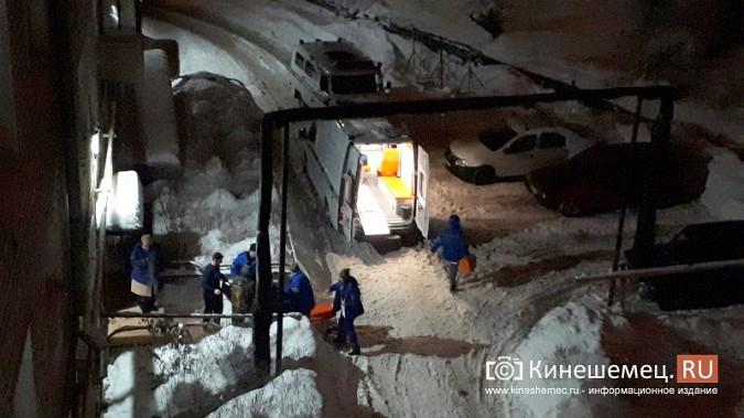 В Кинешме из-за поломки на новой «скорой» больного уложили под лестницу в подъезде фото 3