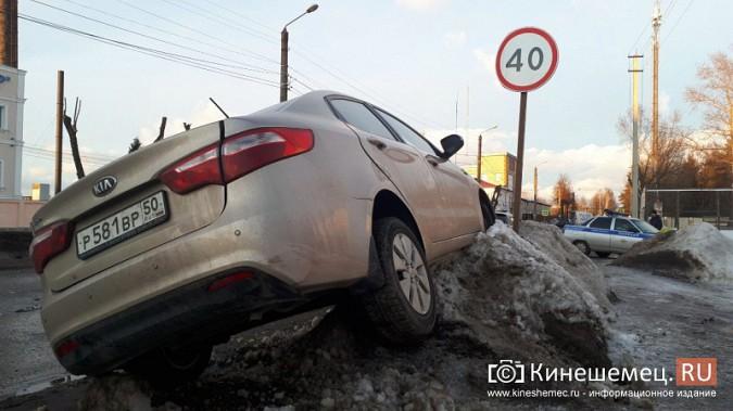 Из-за аварии на улице Вичугской Кинешма встала в огромную пробку фото 8