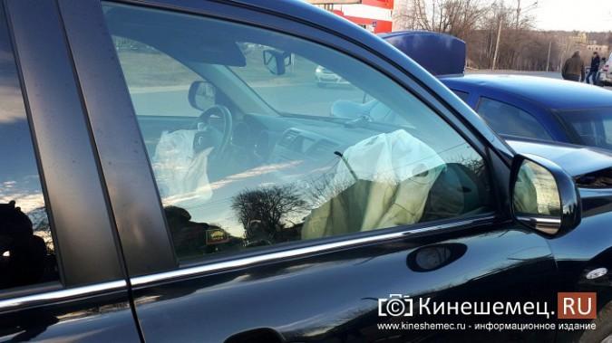 Сразу три автомобиля столкнулись на перекрестке улиц 50-летия Комсомола и Сеченова фото 5