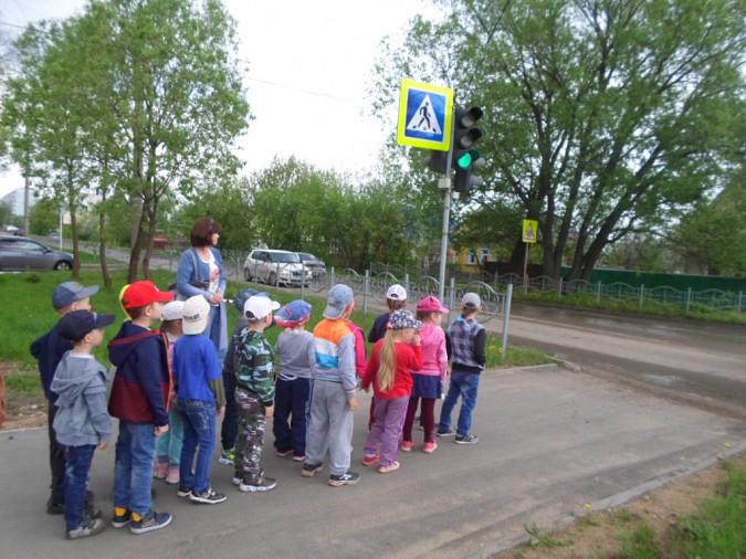 В библиотеке кинешемских детей учили правилам дорожного движения фото 2