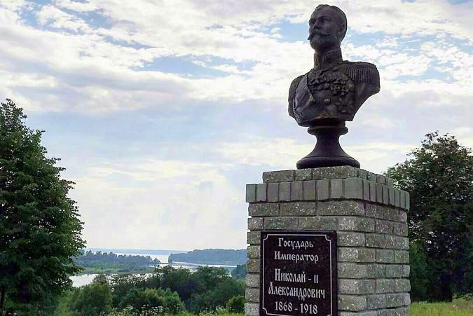 В Заволжском районе Ивановской области установили бюст императору Николаю II фото 2