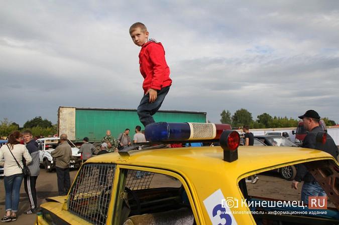 В Кинешме в четвертый раз прошли гладиаторские бои машин фото 90