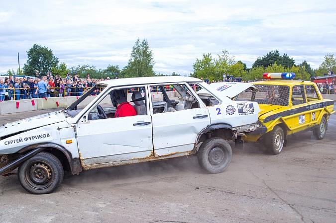 В Кинешме в четвертый раз прошли гладиаторские бои машин фото 19