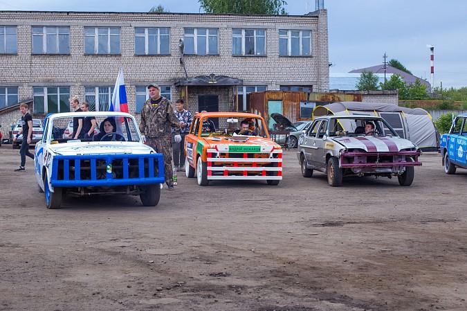 В Кинешме в четвертый раз прошли гладиаторские бои машин фото 12