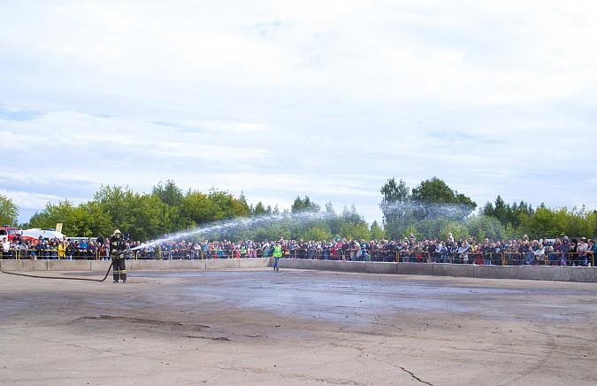 В Кинешме в четвертый раз прошли гладиаторские бои машин фото 35