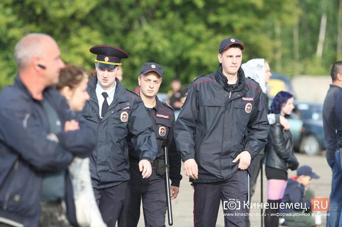 В Кинешме в четвертый раз прошли гладиаторские бои машин фото 48