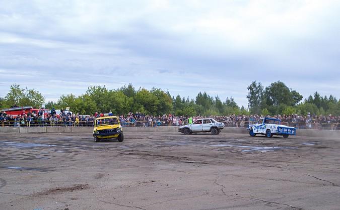 В Кинешме в четвертый раз прошли гладиаторские бои машин фото 9