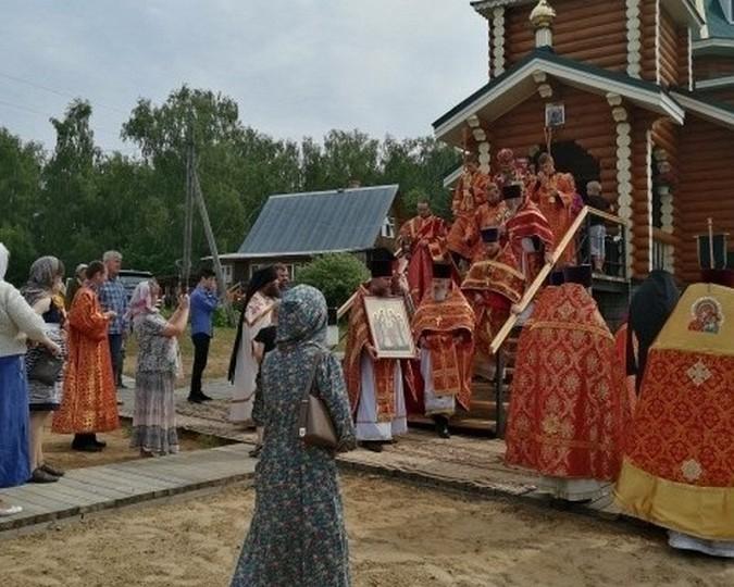 В Еремино Заволжского района освятили бюст Николая II фото 2