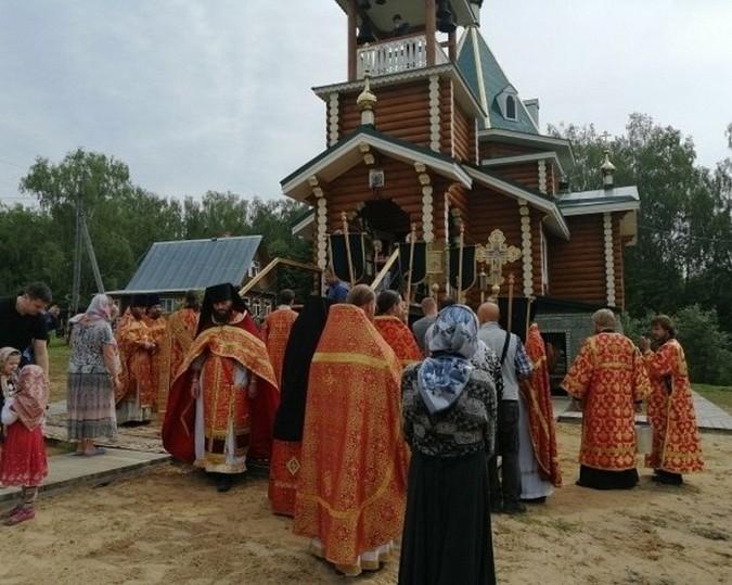 В Еремино Заволжского района освятили бюст Николая II фото 3