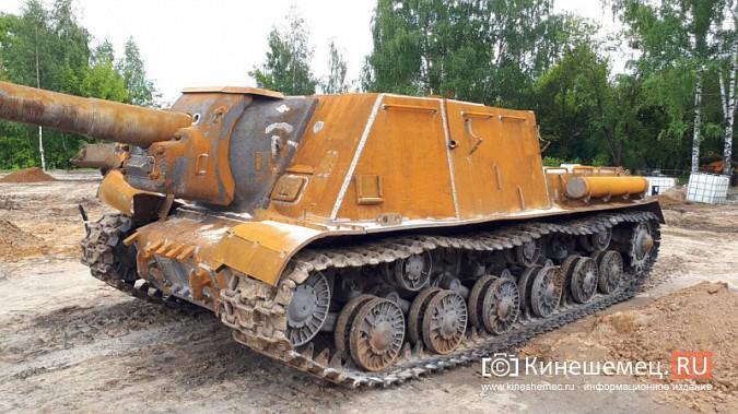 Пушки и танки в кинешемском парке готовят к покраске фото 3